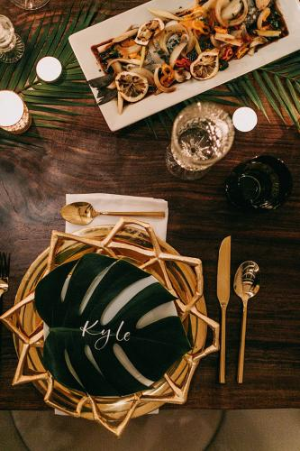 gold geometric modern place setting